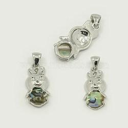 Pendentifs en coquille d'abalone /de paua, avec les accessoires en laiton, lapin, de couleur métal platine , colorées, 30.5x14x5mm, Trou: 4x7mm(SSHEL-J004-75)