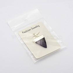 pendentifs en forme de triangle de pierres précieuses naturelles, avec les résultats en laiton plaqué argent, améthyste, 32~35x22~25x6 mm, trou: 5x8 mm(X-G-F0135-02P)