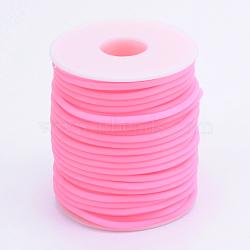 Tuyau creux corde en caoutchouc synthétique tubulaire pvc, enroulé aurond de plastique blanc bobine, hotpink, 2mm, trou: 1 mm; environ 50 m / rouleau(RCOR-R007-2mm-06)