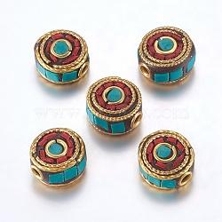 Perles Indonésiennes manuelles, avec les accessoires en laiton, sans nickel, plat rond, non plaqué, rouge, 12x6~7.5mm, Trou: 2mm(IPDL-F023-12B)