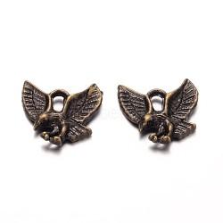 pendentifs de style tibétain, nicekl gratuitement et sans plomb, aigle / charme faucon, bronze antique, 13x13x2 mm, trou: 2 mm(X-TIBEP-20305-AB-NR)
