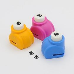 Kits de punchv de Mini embarcation en plastique pour scrapbooking et artisanat en papier, fleur, couleur aléatoire simple ou couleur mélangée aléatoire, 33x26x31mm(AJEW-F003-01A)