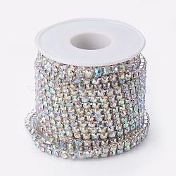 laiton strass chaînes de strass, avec bobine, strass chaînes de tasse, argent, cristal ab, 4 mm, environ 10 yard / roulette (CHC-T001-SS18-02S)