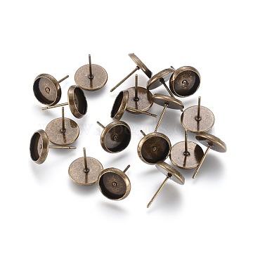 Anciennes clous en laiton de bronze de boucle d'oreille poste de l'oreille, avec des bases de support de cabochon, environ 10 mm de large, Longueur 12mm, plateau rond: 8 mm, pin: 1 mm(X-IFIN-Q006-AB)