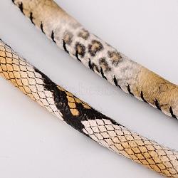 Cordon en cuir PU, peau de serpent imitation, peachpuff, 4mm, environ 100 yard / rouleau(LC-D006-4mm-17)
