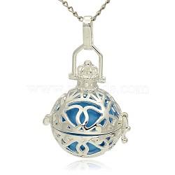 Pendentifs creux à cage ronde en laiton argenté, perles peintes en laiton pulvérisé sans trou, bleu foncé, 31x27x22mm, Trou: 3x8mm(KK-J240-02S)