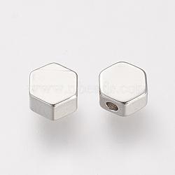 Perles en laiton, Platine plaqué réel, hexagone, platine, 5x5.5x2.5mm, Trou: 1mm(X-KK-T014-96P)