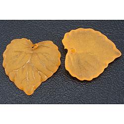 Pendentifs en acrylique transparent , mat, feuille, orange, teint, longueur d'environ 16 mm ,  largeur de 15 mm, épaisseur de 2mm, Trou: 1.2mm(X-PL591-9)
